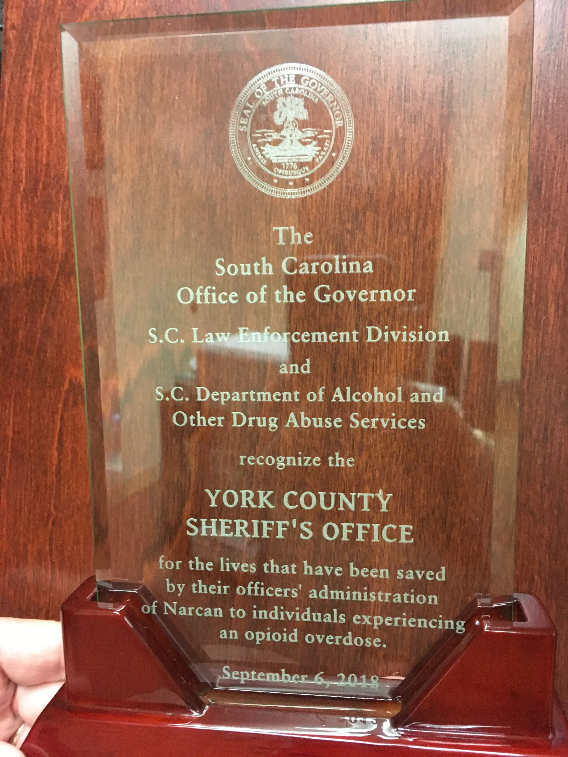 2018 Governor&#39s Opioid Summit Award Glass with writing engraved